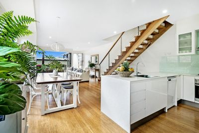 Beautiful energy, natural light, large modern duplex