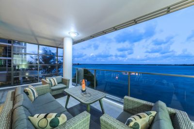 Fabulous North-East Corner Position  Stylish Renovated Broadwater Apartment
