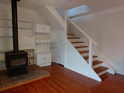 Granny flat/Townhouse private entrance 2 bedroom 1 bathroom large living and dining spaces