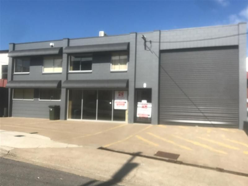 2 Level Showroom + Warehouse