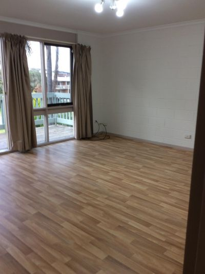 SUNNY NORTH FACING UNIT COMPLEX - WALKING DISTANCE TO TOWN
