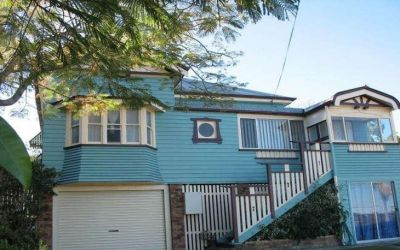 STUNNING CHARACTER HOME ON BIG BLOCK PACKED WITH EXTRAS!
