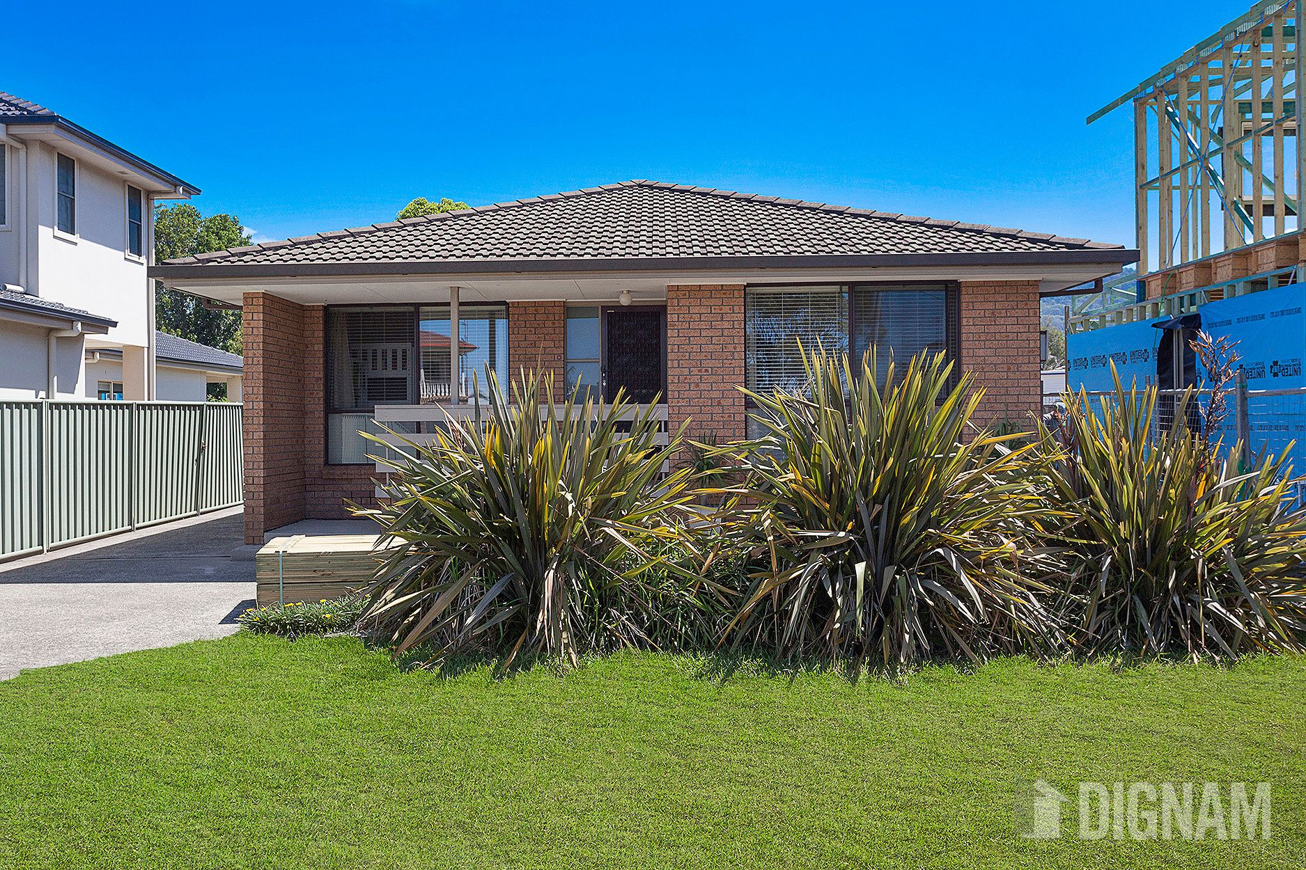8 Royal Crescent, Woonona NSW