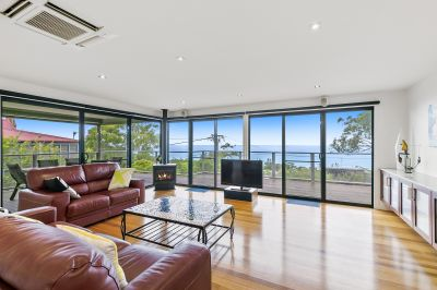 EXQUISITE BEACH HOME WITH FABULOUS VIEWS