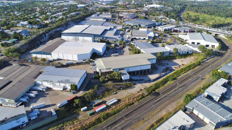 2,300sqm* TRADECOAST DISTRIBUTION / STORAGE FACILITY WITH HARDSTAND