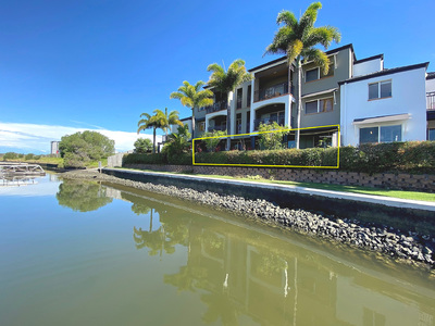 WATERFRONT GROUND FLOOR 3 BED APARTMENT