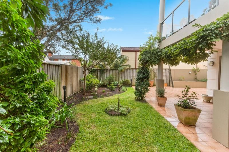 Luxurious Garden Apartment - Furnished or Unfurnished Available