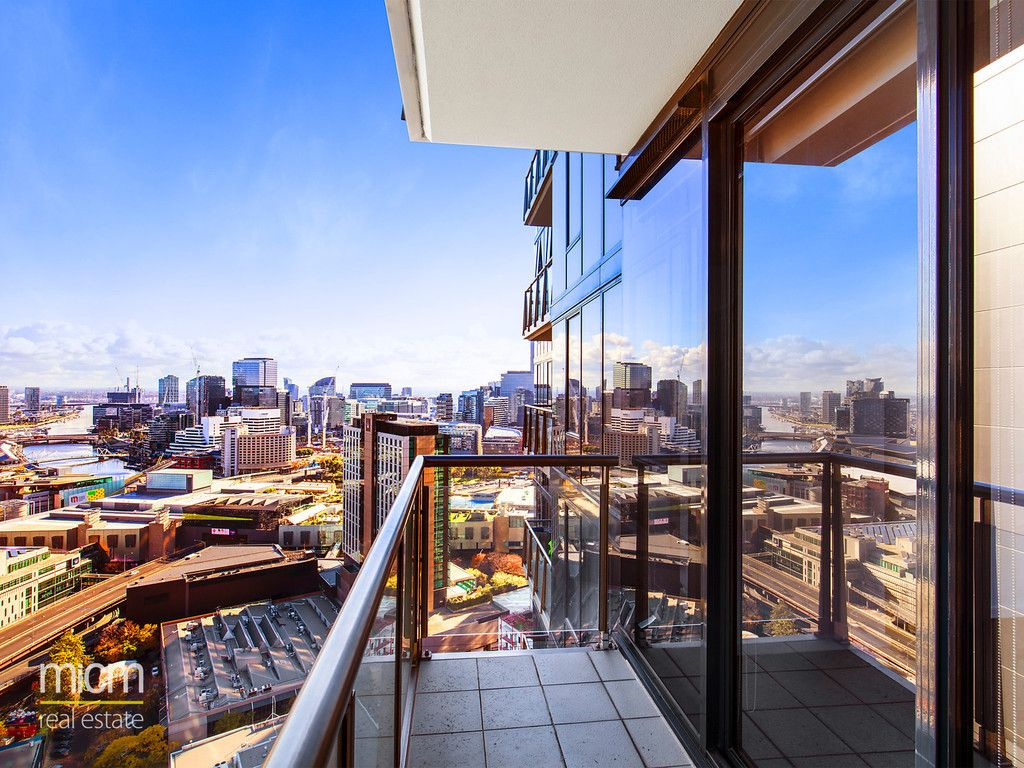 Views and Sophisticated Style in City Tower'