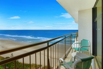 Absolute Beachfront 2bed with Ocean views - Must Be Sold