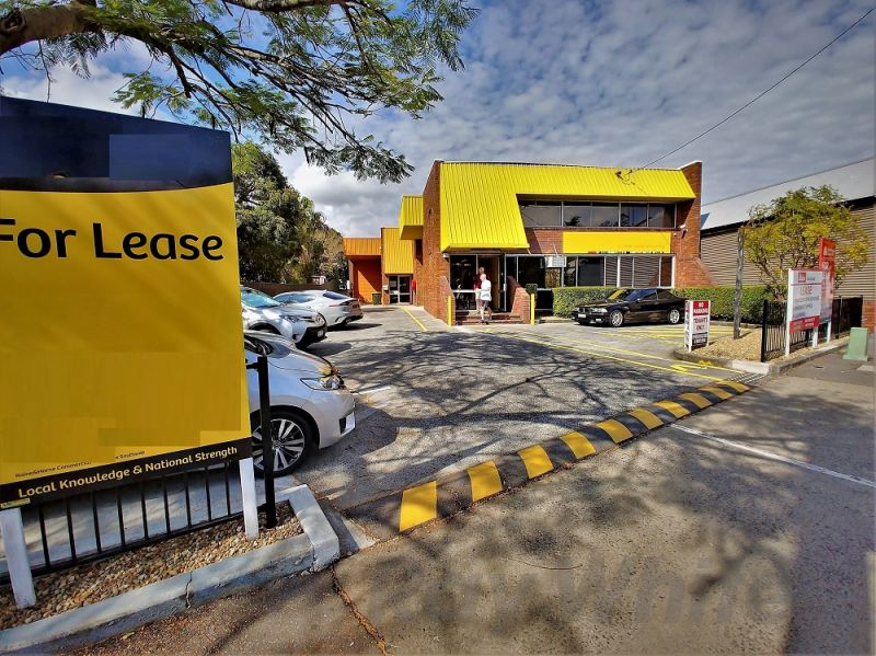 For Lease: 300sqm* WELL EXPOSED OFFICE/ SHOWROOM
