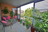 RANDWICK 2BED APT BALCONY AIRCON WIFI GARAGE, CENTRAL TO EASTERN SUBURBS ATTRACTIONS.