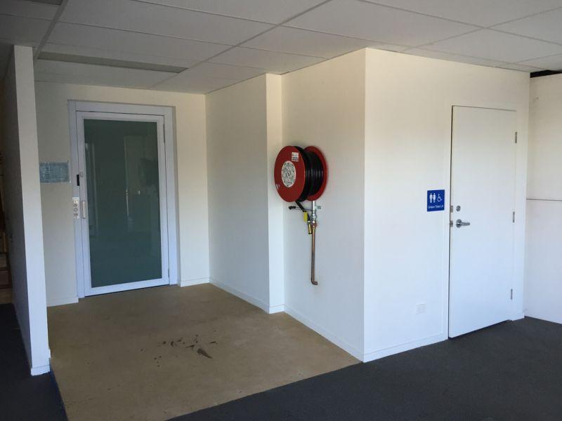 55m2* Office Suite Close To M1 Motorway
