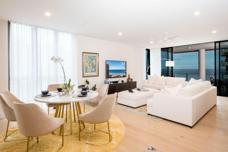 Glamorous beach side apartment