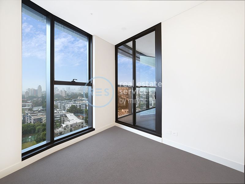 Sweeping City Views from Level 16 2-Bedroom Apartment + Media Nook in Zetland!