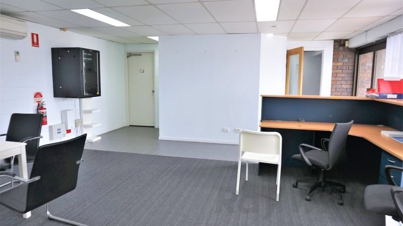 For Lease: 140sqm* FITTED OFFICE