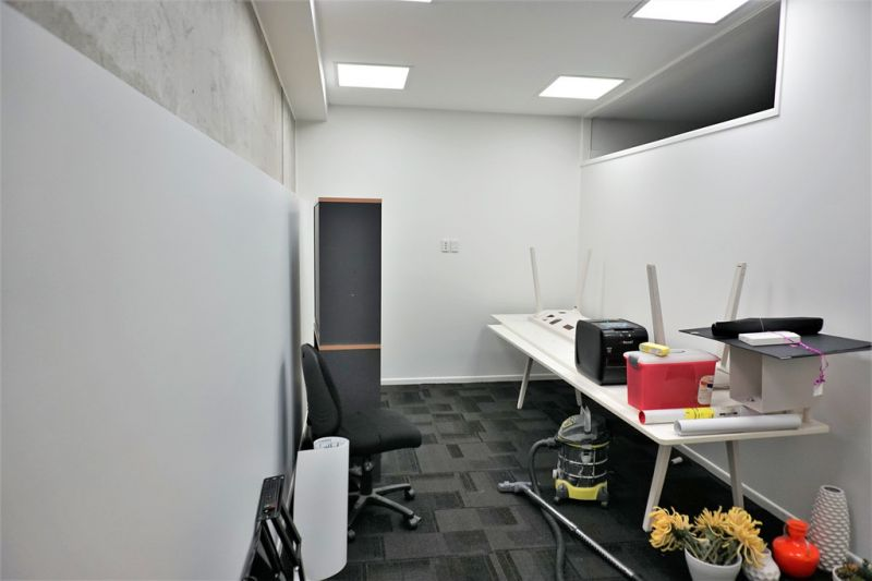 For Lease: AFFORDABLE FIRST FLOOR OFFICE