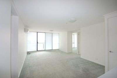 Yarra Crest: 19th Floor - Spacious Southbank Living!