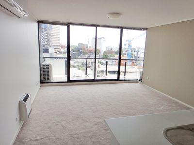Parkside: 10th Floor - Central Location!