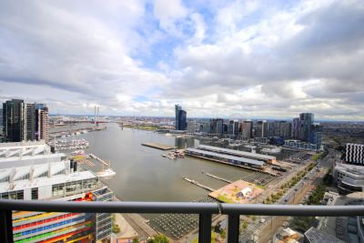 Victoria Point: 28th Floor - Sensational Docklands Location with Harbour Views!