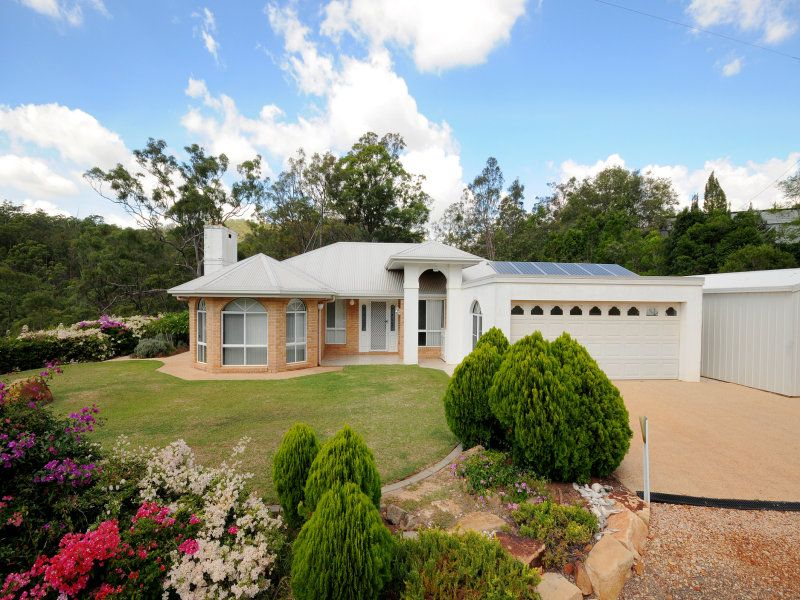 Cedarbrook - Unique Lifestyle Property only 3 minutes drive to city boundary near TOPCAMP. Five minutes to USQ.