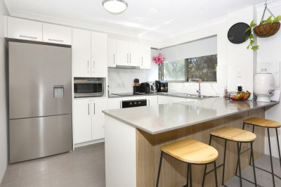 Broadwater Location - Stunning Renovation