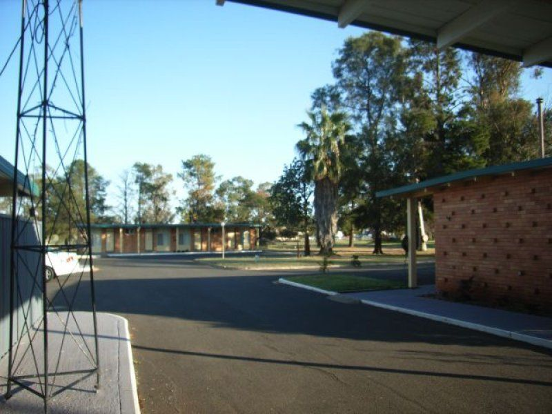 MOTEL - SINGLE LEVEL NEWELL HWY INVESTMENT PROPERTY