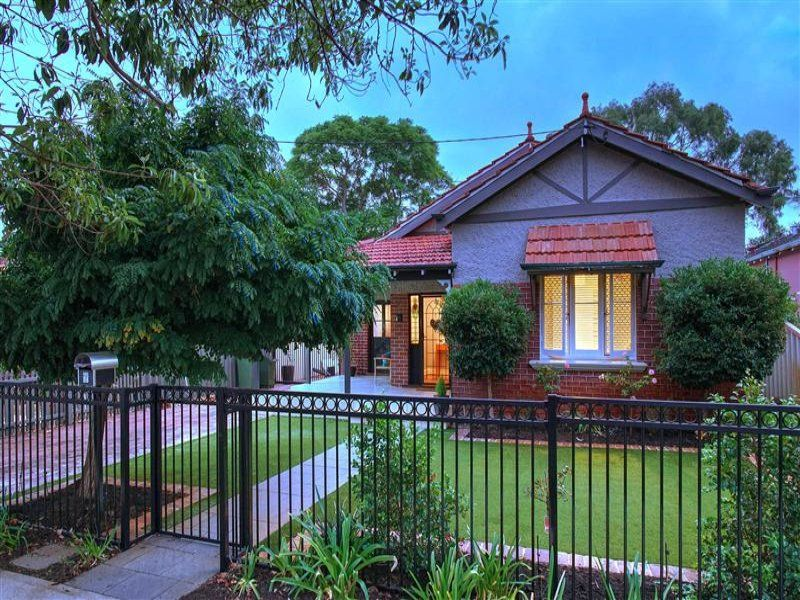 7 Normanby Road Inglewood 6052