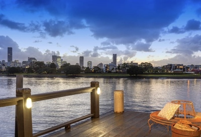THE BEST OF BRISBANE ABSOLUTE RIVERFRONT
