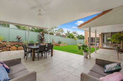 Elevated block to catch the breeze! 809m2 block - Private