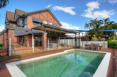 Waterfront Family Home with Pool & Jetty!!!