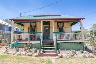 Must Sell- Tiny Character House - Quiet Location Opposite Park and Golf Course - Close To Everything