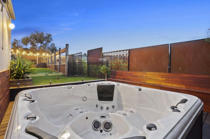 43 Grosvenor Drive Wandana Heights