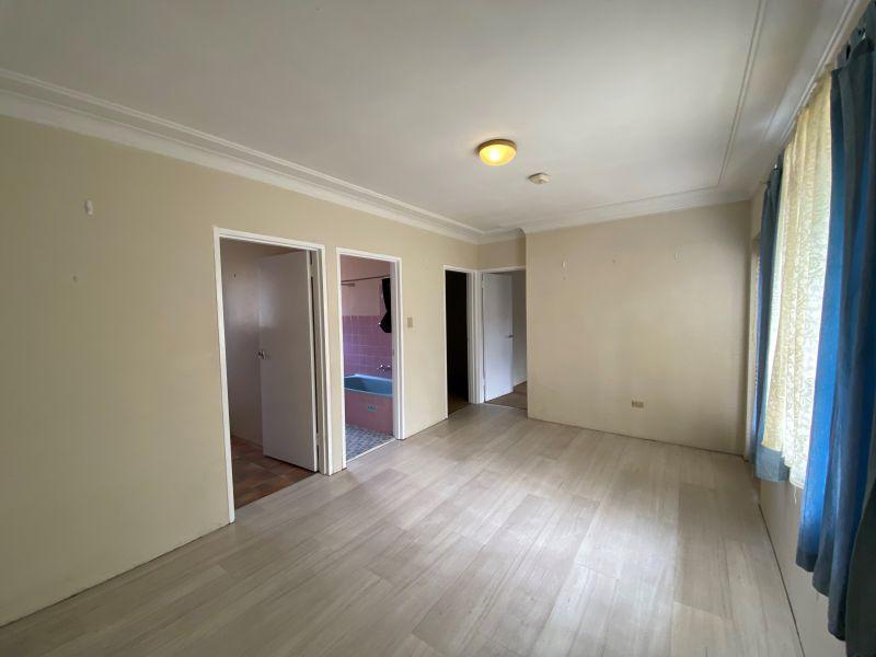 Quite 2 Bedroom Apartment - Reduced $325