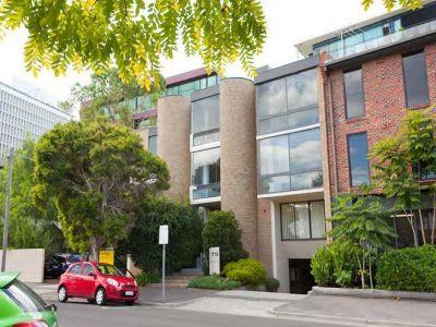 79 Palmerston Crescent, South Melbourne