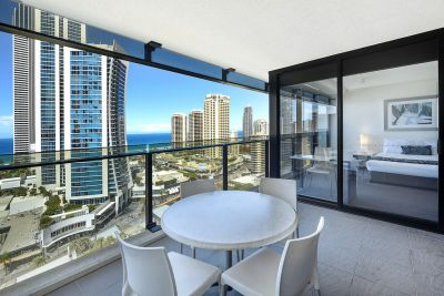 Sensational Circle on Cavill - 17th Floor Ocean Views