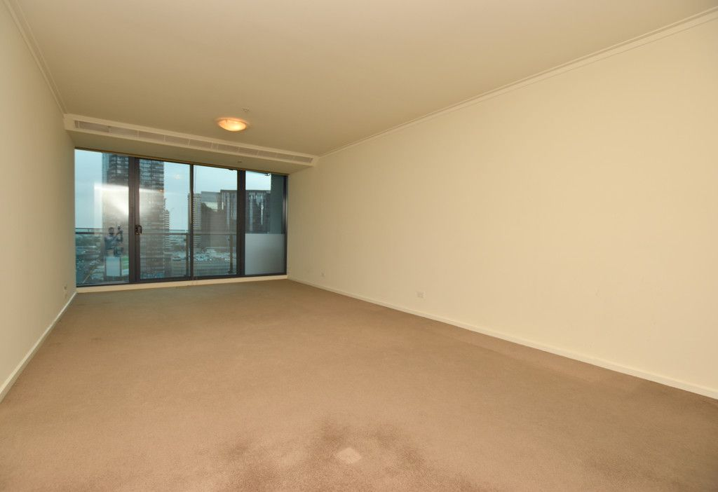 Huge Two Bedroom Apartment in Prime Southbank Location!