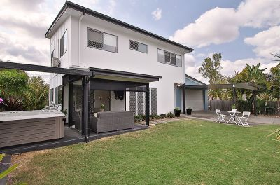 Stylish, Entertainer's Paradise! Immaculately Kept, Modern Build in Private Position