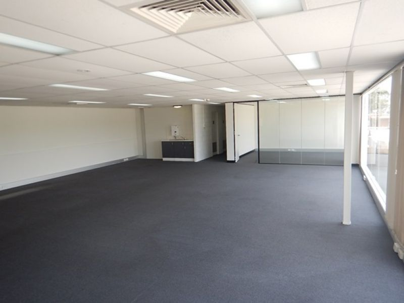 Modern, High Clearance Facility Situated Just Off Abbott Road At End Of M2 Motorway.