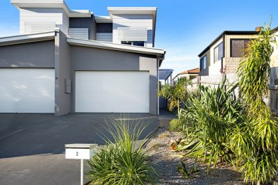 Perfectly positioned as new duplex with builders warranty!