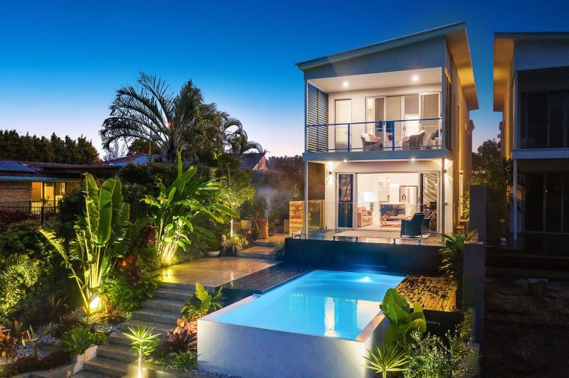 Oversized and Elegant Waterfront Villa in a Central Location
