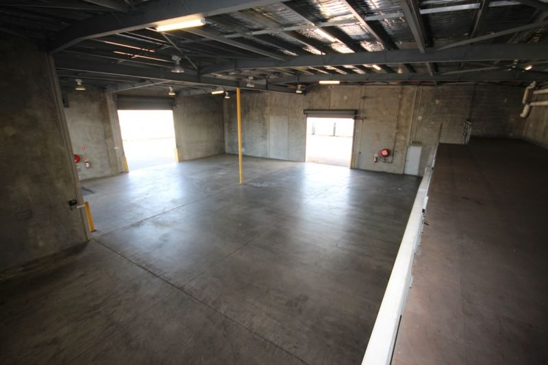 Well Presented Modern Office Warehouse Facility With Surplus Hardstand