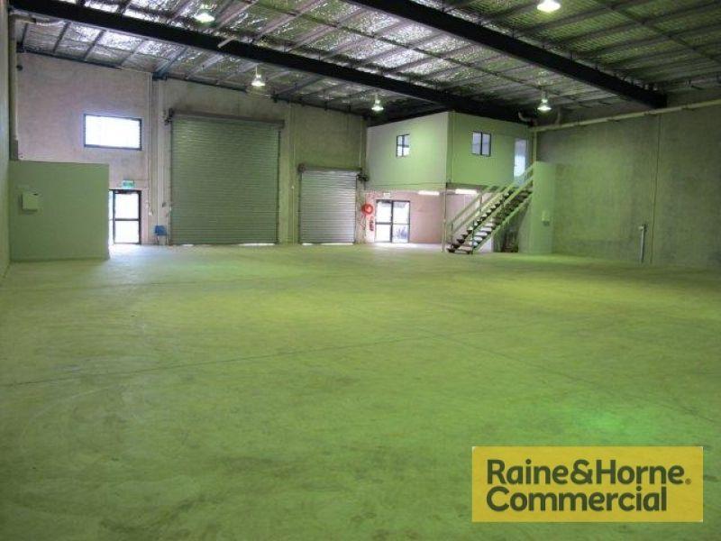 Freestanding Tilt Panel Warehouse.