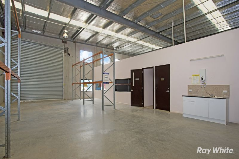 Quality Office / Warehouse with 10 car spaces