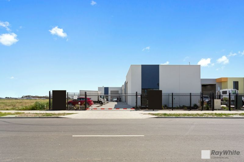 POLE POSITION WAREHOUSE WITH STREET FRONTAGE - AVAILABLE LATE JANUARY 2020
