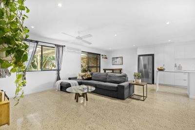 Stunning Burleigh Waters Duplex - Be Quick!