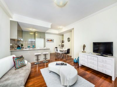 CHIC INNER CITY LIVING WITH THE ULTIMATE ENTERTAINER'S TERRACE - INSPECT- TBA