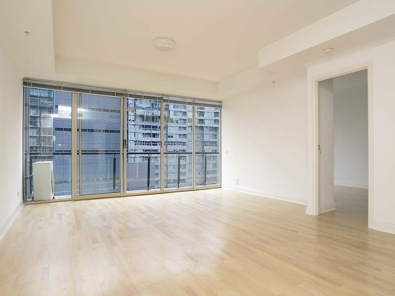 Princeton - 12th Floor: 3 Bedroom Apartment in an Award Winning Complex!