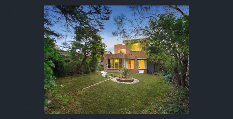 Substantial 5 Bedroom Family Home