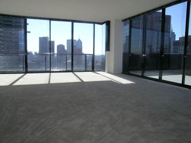 Southpoint: Breathtaking Penthouse With Sky High Views!