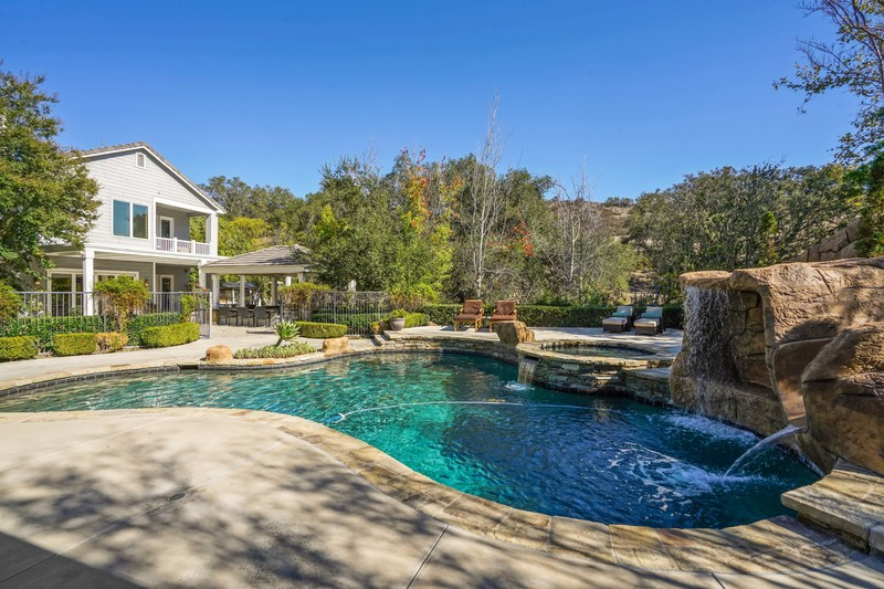 Magnificent Estate Style Home!